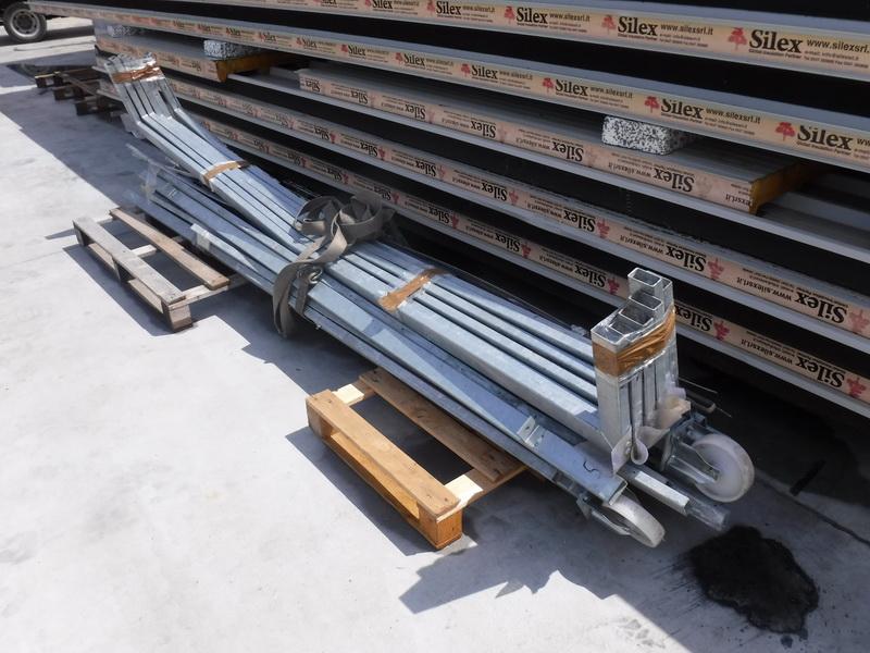Porta a soffietto usata per carico scarico camion www - Porta a ventaglio ...