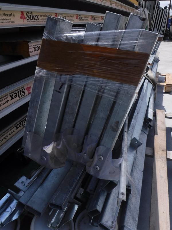 Porta a soffietto usata per carico scarico camion www - Porta a soffietto usata ...